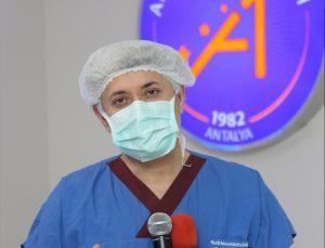 Akdeniz Üniversitesi Hastanesinde canlı yayında böbrek nakli yapıldı
