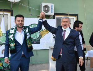 Akhisarspor'da kulüp başkanlığına Evren Özbey seçildi