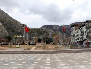 Samsun, Sinop, Amasya ve Tokat'ta sokağa çıkma kısıtlamasına uyuluyor