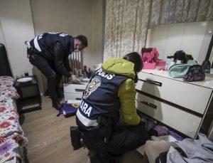 """Ankara merkezli 3 ilde gasp çetesine yönelik """"Yarasa Kız Operasyonu""""nda 115 zanlı yakalandı"""