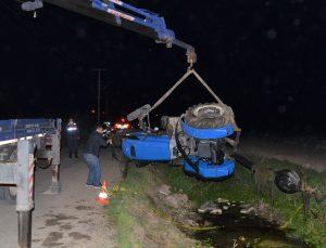 Antalya'da devrilen traktörün altında kalan sürücü yaşamını yitirdi