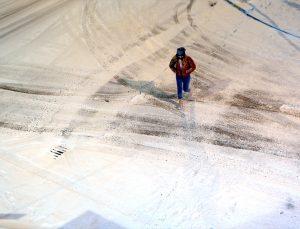 Ardahan ve Tunceli'de kar yağışı yaşamı olumsuz etkiliyor