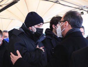Bakan Kasapoğlu, paralimpik sporcu Korhan Yamaç'ın eşinin cenazesine katıldı