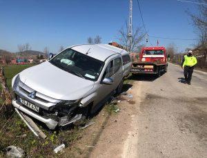 Bartın'da pikap ile otomobil çarpıştı: 1 ölü, 2 yaralı