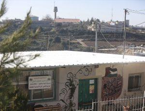 Batı Şeria'da Yahudi yerleşimcilerle yan yana yaşayan Filistinliler günlük ihlallere maruz kalıyor