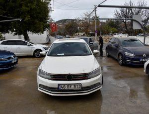 Bodrum'da çamurlu yağış sonrası oto yıkamacılarda yoğunluk oluştu