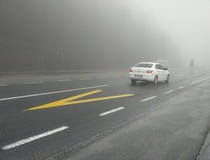Bolu Dağı'nda sis ve yağmur etkili oluyor