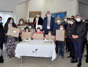 """Bursa'da 10 yıldır aynı köye gelen leylek """"Yaren"""" için kutlama"""