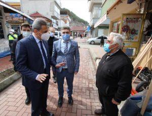 """""""Çok yüksek riskli iller"""" kategorisindeki Sinop'ta MOBESE'li maske ve mesafe denetimi yapıldı"""