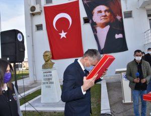 Cumhurbaşkanı Erdoğan'a sunulacak toprak, deniz suyu ve Türk bayrağı Çanakkale'den Balıkesir'e getirildi