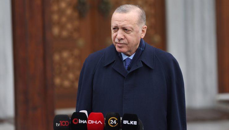 Cumhurbaşkanı Erdoğan, cuma namazını Kerem Aydınlar Camisi'nde kıldı