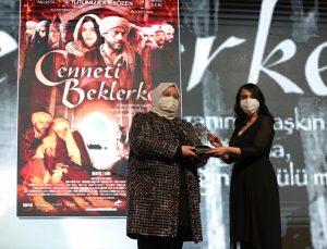 """Cumhurbaşkanı Yardımcısı Oktay, """"3. Değer Zirvesi ve Türkiye'ye Değer Katan Markalar Ödül Töreni""""nde konuştu:"""