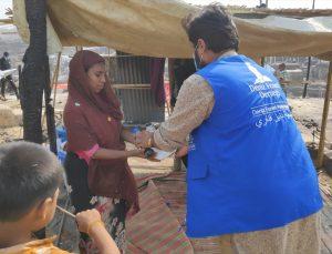 Deniz Feneri, Bangladeş'te yanan mülteci kampında yardım çalışmalarına başladı