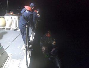 Didim açıklarında sürüklenen lastik bottaki 22 sığınmacı kurtarıldı
