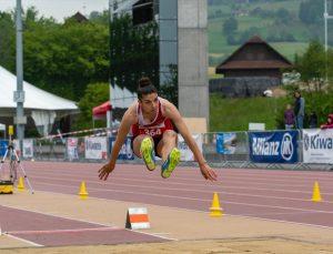 Dünya şampiyonu özel sporcu Esra Bayrak, ilkleri başarmanın peşinde: