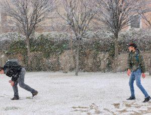 Eskişehir'de kar yağışı etkili oldu