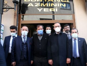 Gençlik ve Spor Bakanı Kasapoğlu, Bitlis 8 Ağustos Stadı'nda incelemelerde bulundu: