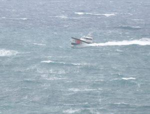 Gökçeada'da mahsur durumdaki kalp krizi geçiren kadının imdadına sahil güvenlik yetişti