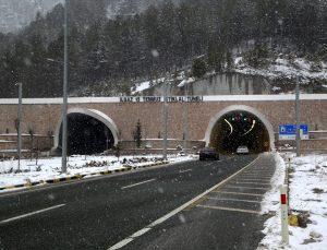 Ilgaz Dağı'nda sis ve kar yağışı etkili oluyor