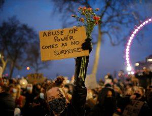 İngiltere'de polise yeni yetkiler veren tasarı protesto edildi