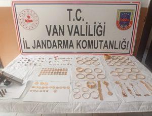 İstanbul'da çalınan 1,5 milyon liralık altın ve ziynet eşyası Van'da bulundu