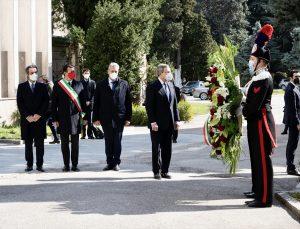 İtalya, Kovid-19 kurbanlarını anıyor