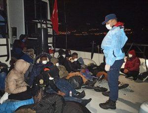 İzmir'de 49 sığınmacı kurtarıldı, yasa dışı geçişi organize eden 2 kişi yakalandı