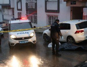 İzmir'de sokakta fenalaşan kişi, hayatını kaybetti