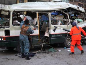 Kabil'de İletişim Bakanlığı personelini taşıyan araca saldırı: 15 yaralı