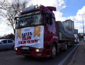 Kayseri'den Suriye'ye 13 tır yardım malzemesi gönderildi