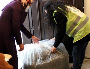 Kırşehir'de 190 sığınmacı aileye barınma ve ısınma malzemesi dağıtıldı