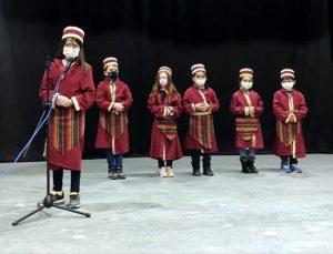 Kırşehir'de şed kuşanan çocuklar esnafa Ahilik prensiplerini hatırlattı