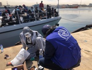 Libya açıklarında son 48 saatte yaklaşık 1000 düzensiz göçmen yakalandı