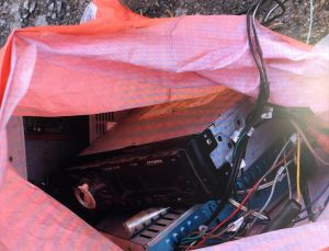 Manisa'da otomobillerden teyp ve hoparlör çaldığı belirlenen şüpheli yakalandı
