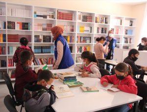"""Mersin'de şehit Eren Bülbül'ün adının verildiği """"Genç Ofis"""" kapılarını öğrencilere açtı"""