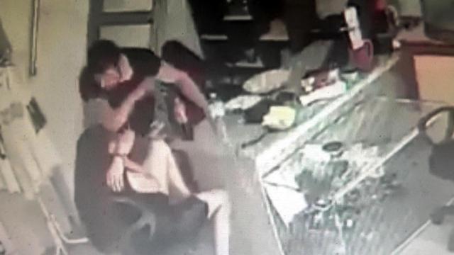 Marmaris'te kız arkadaşını darbettiği anlar sosyal medyaya yansıyan kişi tutuklandı