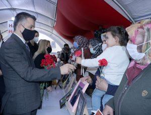 Tarım ve Orman Bakanı Bekir Pakdemirli, Diyarbakır annelerini ziyaret etti: