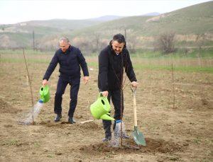 Tarım ve Orman Bakanı Pakdemirli, Azerbaycan'da Ermenistan işgalinden kurtarılan bölgeleri ziyaret etti