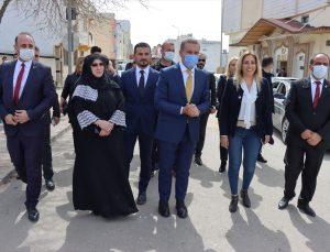 TDP Genel Başkanı Sarıgül, Kilis'te roket düşen alana karanfil bıraktı