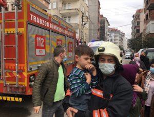 Trabzon'da bir evde çıkan yangında alzaymır hastası yaralandı, mahsur kalan 4 kişi kurtarıldı