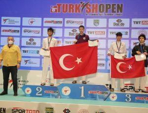 Turkish Open 2021'in altıncı gününde genç milli tekvandoculardan 6'sı altın 22 madalya
