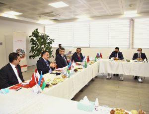 Türkiye ve Azerbaycan tarım bakanları Ziraat Bank Azerbaycan'ı ziyaret etti