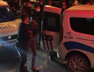 Zonguldak'ta polisten kaçmaya çalışan 3 kişinin içinde bulunduğu otomobil kanala düştü