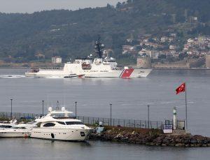 """ABD sahil güvenlik gemisi """"USCGC Hamilton"""" Çanakkale Boğazı'ndan geçişine başladı"""