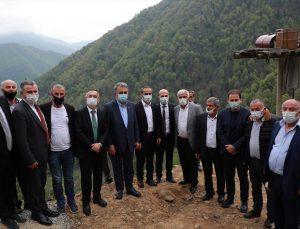 AK Parti Genel Başkan Yardımcısı Yazıcı, İkizdere'de taş ocağının açılacağı alanda incelemelerde bulundu: