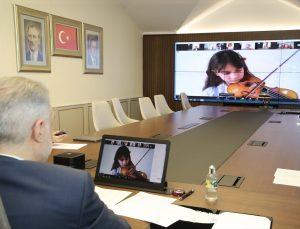 AK Parti İstanbul İl Başkanı Kabaktepe, 23 Nisan'ın 101'inci yılını 101 çocukla kutladı