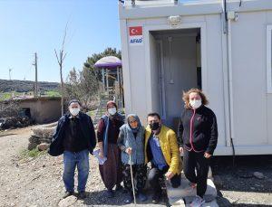 AK Partili Avcı, elektriği kesildiği öne sürülen depremzedeyi ziyaret etti