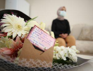 Aksaray Valisi Aydoğdu, Valilikçe yapılan doğum günü kutlamalarında adı unutulan öğretmene çiçek gönderdi