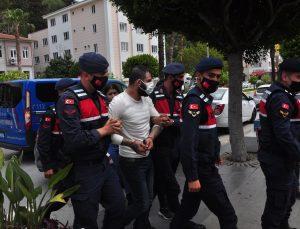 Antalya'da kovalamaca sonucu yakalanan uyuşturucu zanlısı tutuklandı
