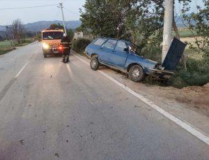 Aydın'da otomobil elektrik direğine çarptı: 1 ölü, 1 yaralı